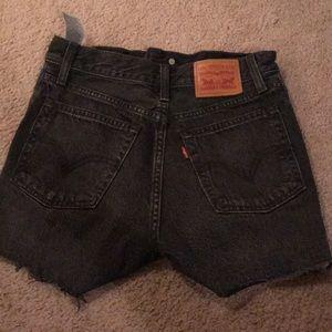 Black Levi's high waisted shorts